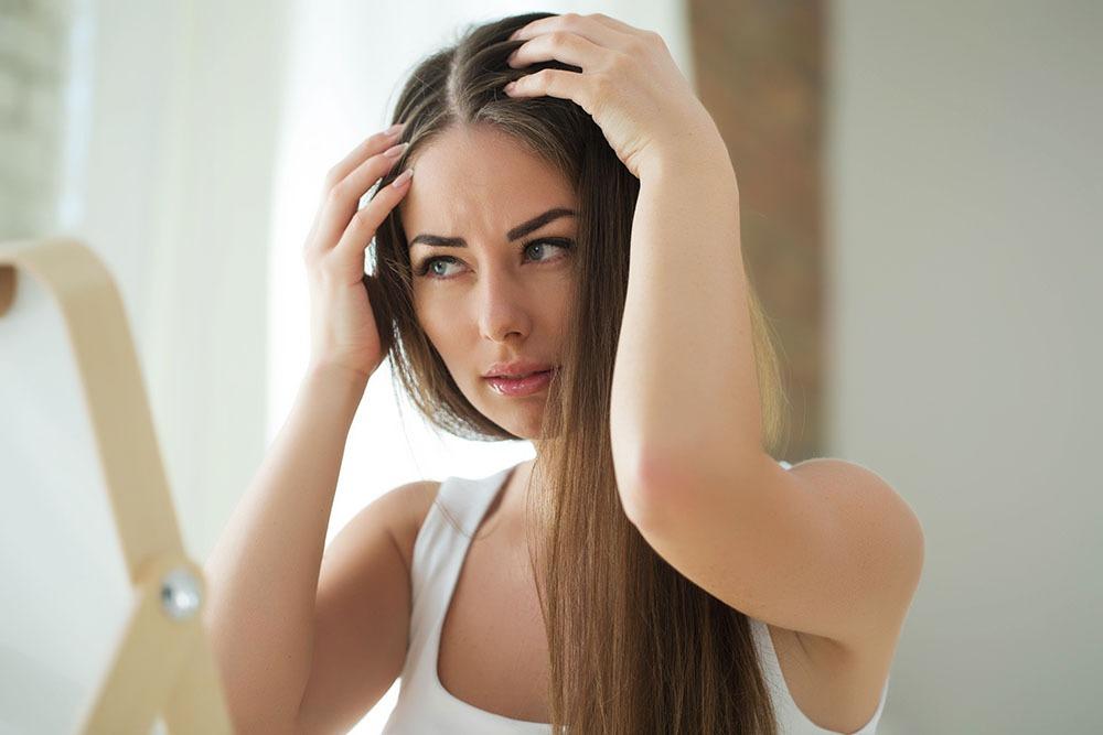 Niedoczynność tarczycy i Hashimoto włosy