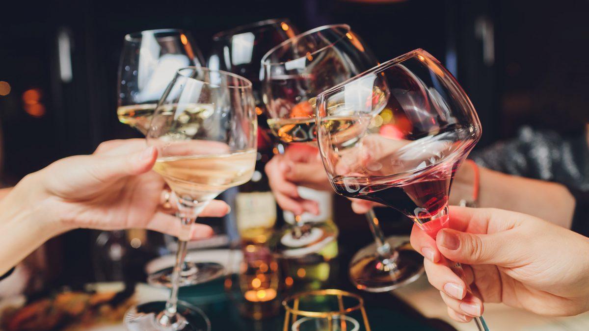 Czy można spożywać alkohol mając problemy z tarczycą